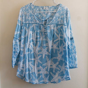 Crown & Ivy Beach Blue and White Starfish Top